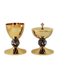 "CHALICE & CIBORIUM WITH ""GRAPE AND CROSS"" DESIGN C494-C495"